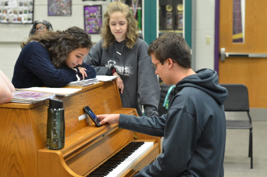 Choir Concert Brings Holiday Cheer