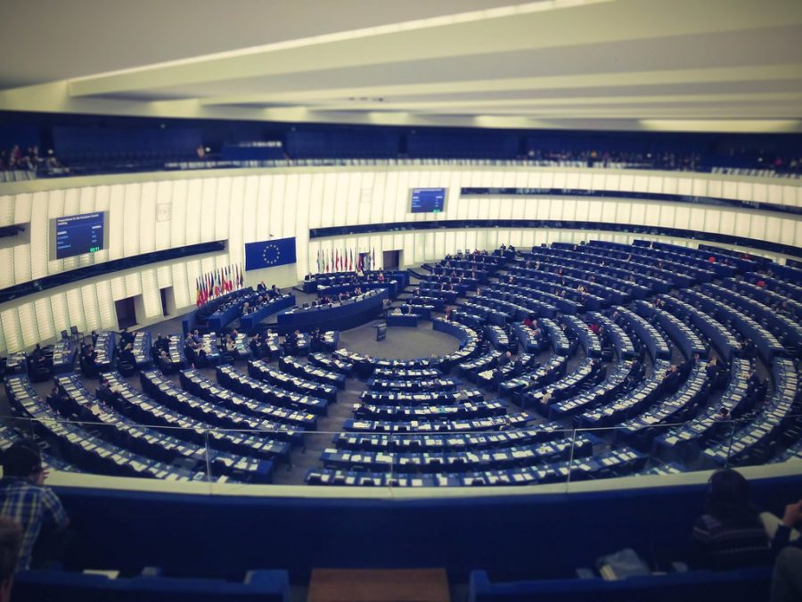 %22Hemicycle%22+by+djsuffix+is+licensed+under+CC+BY-NC+2.0.
